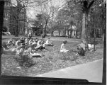 1946: Art class in front of Samford Hall