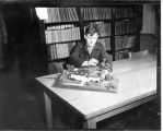 1946: Student with architectural model