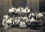 1915: Class in manual training
