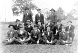 1909: Dean Cary and veterinary medicine students