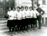 1924: Women's basketball team
